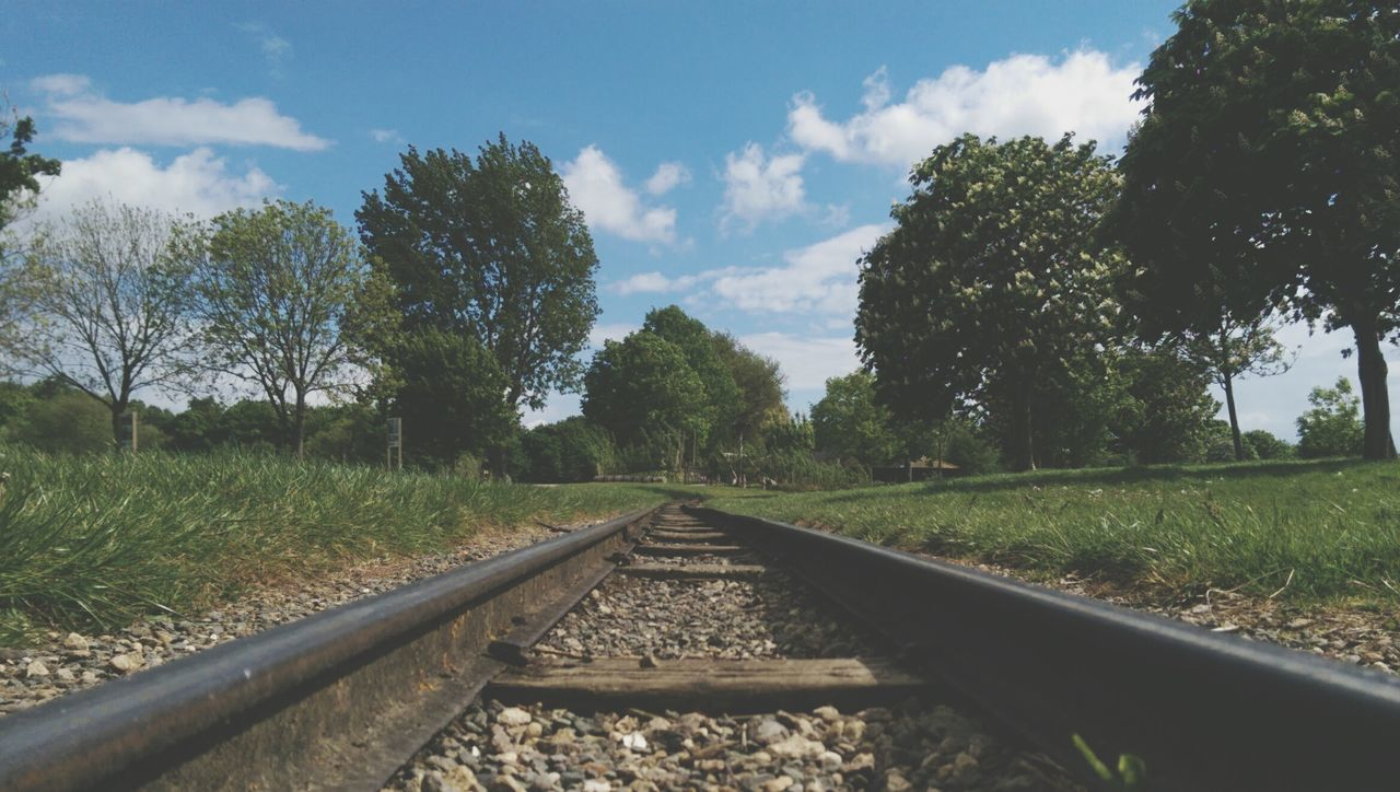 Escape Enjoying The Sun Summer ☀ Love Nature Walking Around Train Track Getaway  Photography People Watching