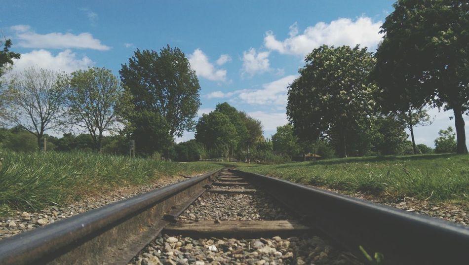 Escape Enjoying The Sun Summer ☀ Love Nature Walking Around Train Track Getaway  Photography People Watching