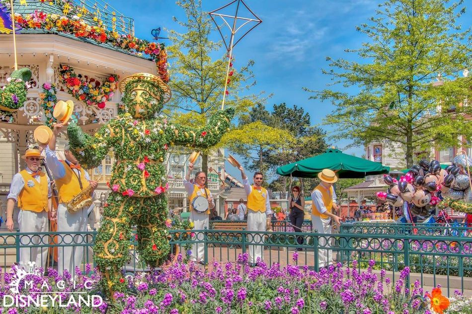 Travel Destinations Multi Colored Disney Celebration Disneylandparis Amusement Park Disneyland Resort Paris Disneyland Paris Traditional Clothing Large Group Of People Disneyland