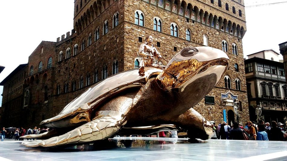 Firenze Firenzetoday Firenze With Love Firenze4ever Firenzemadeintuscany Firenzefoto Palazzo Vecchio Florence Florence Italy FlorenceItaly Italy Jan Fabre Searching For Utopia Tortoise