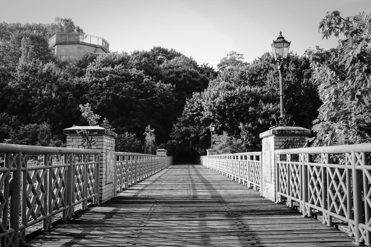 Beautiful stock photos of straßenfotografie, Architecture, Bridge - Man Made Structure, Built Structure, Day