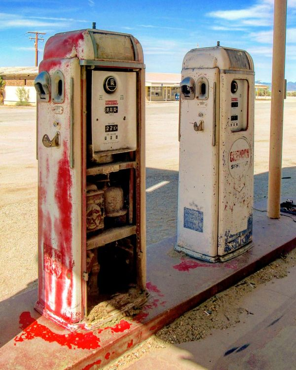 Gas Station Oldgaspumps Rustygoodness Automotive EyeEm Best Shots EyeEm Masterclass EyeEm Gallery Throughmyeyes Eyeemphotography IMYE Takeawalkwithme Loudthougts Vintage Moments Vintage Photography Old-fashioned Red Abandoned Abandoned Places Abandoned Buildings