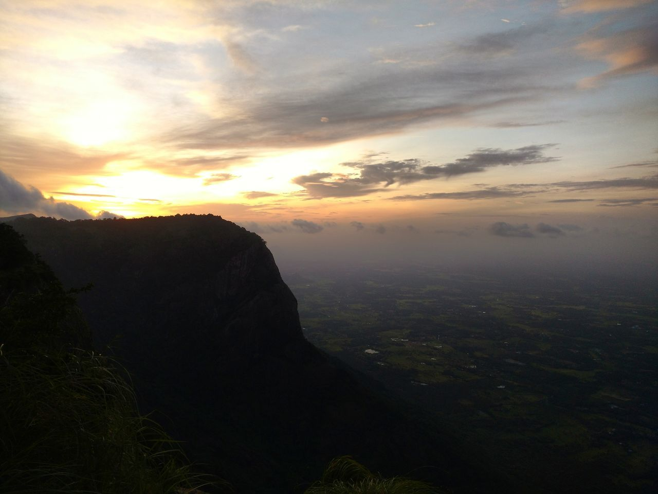 Nelliyampathy GodsOwnCountry Scenics Sunset Landscape Tranquility Cloud - Sky Seetharkundu Kerala_tourism Sunset Landscape Mountain Nature Majestic Cloud - Sky Outdoors Scenic First Eyeem Photo Travelphotography Travel