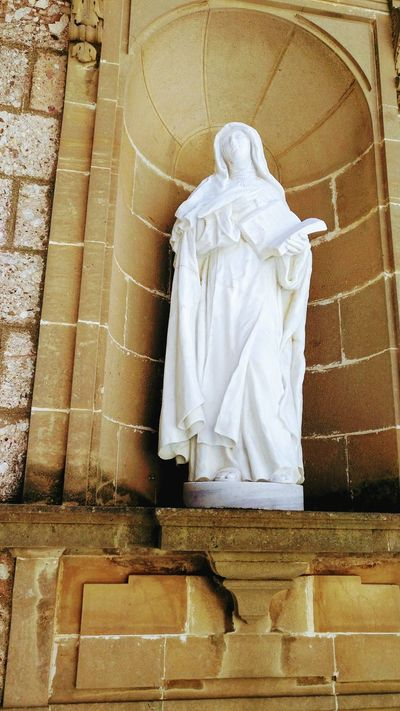 No People Indoors  Statue Day Architecture Religion History Building Art Building Exterior Arts Culture And Entertainment Catolicismo Architectural Column Sculpture Statue Human Representation Montserrat Monastery Spirituality Architecture Lifestyles Tourism Cataluña Spain