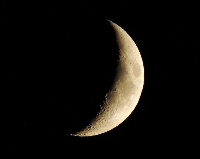 Crescent Moon Close Up Enjoying Life Nature_perfection