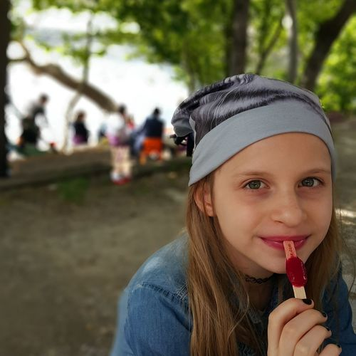 The Portraitist - 2016 EyeEm Awards Girl In Park Girl Eating Ice Lolly People And Places.