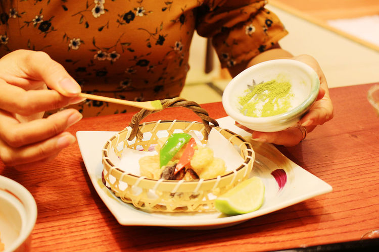 Adult Adults Only Day Food Food And Drink Freshness Healthy Eating Human Body Part Human Hand Japanfood Matchatea One Person People Plate Ready-to-eat Salt Matcha Table Tempura
