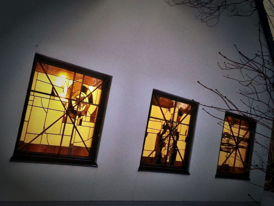 Windows No People Illuminated Night Architecture Outdoors Garden Photography Personal Perspective My Point Of View Showcase November Hello World Fresh On Eyeem  Check This Out The Week Of Eyeem Windows GERMANY🇩🇪DEUTSCHERLAND@ House Window House Yellow Lighting Adapted To The City