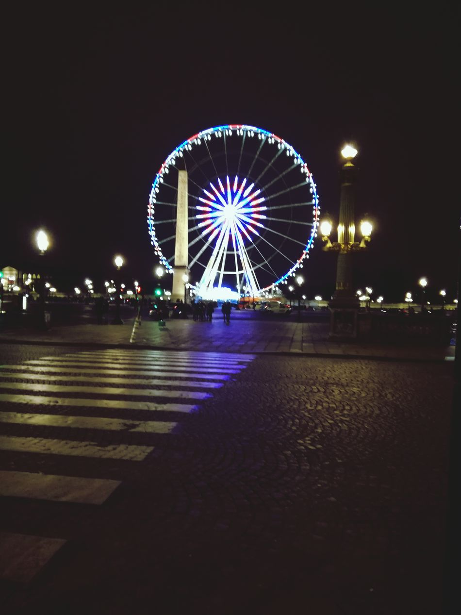 Big wheel 😀🎡 Wheel Illuminated Night Ferris Wheel Amusement Park First Eyeem Photo Christmas Decoration Relaxing Looking At Camera Building Exterior
