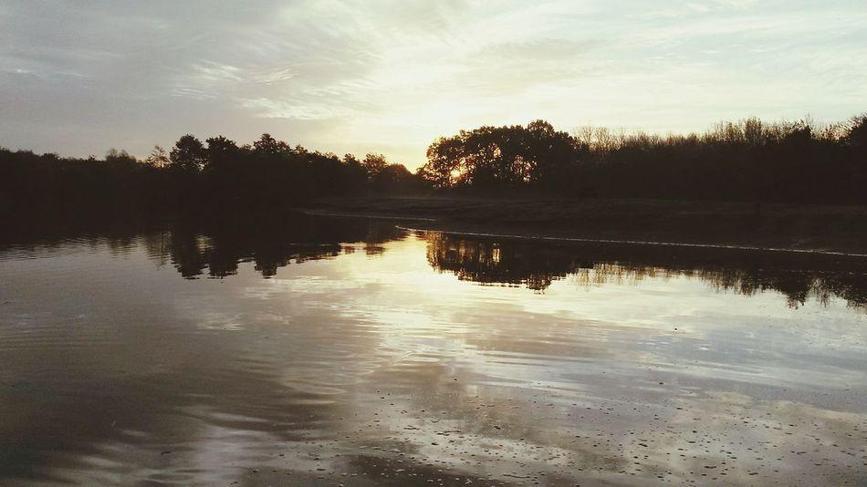 By Leesa Morris Sunset #sun #clouds #skylovers #sky #nature #beautifulinnature #naturalbeauty #photography #landscape Nature On Your Doorstep Autumn