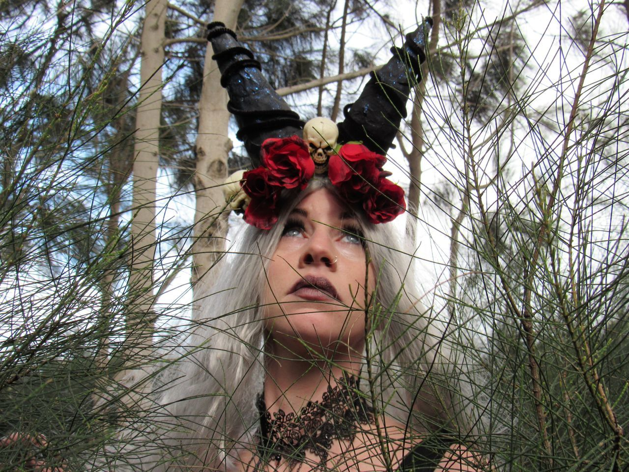 Gothic Side Adults Only Beauty Beauty In Nature Blond Hair Flower Gothic Beauty  Headshot Horns On A Female Definatly Not Lloll Lifestyles Make-up Nature Outdoors Portrait Red Roses Are Red Young Women Uniqueness Carnival Crowds And Details Premium Collection