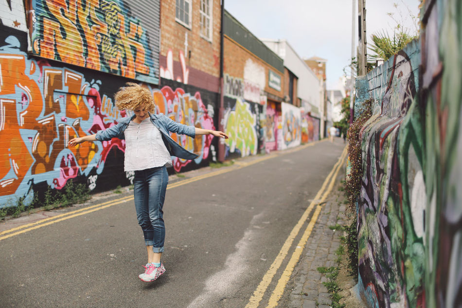 Beautiful stock photos of graffiti, 30-34 Years, Architecture, Arms Outstretched, Art And Craft