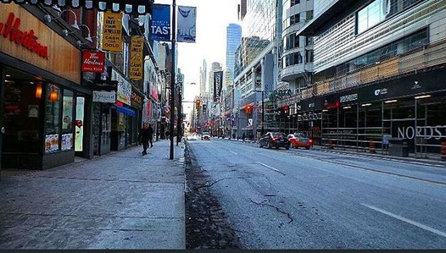 A cold morning in Toronto . Toronto Tdot  Thesix The6ix The6 416 905 647 GTA Yonge Yongestreet Downtown Dt Cold Winter Torontowinter Canadianwinter BURR Photography Photographyislife Photographyislifee Photograph Photographer Travel Traveller concretejungle city CityLife Life