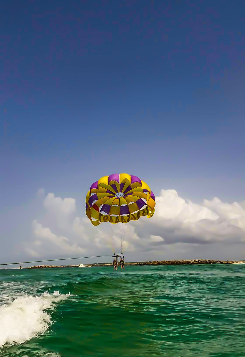 Sea Scenics Leisure Activity Business Finance And Industry Sunset Yellow Child Beach Outdoors Water Sky Multi Colored Vacations Recreational Pursuit Cloud - Sky Beauty In Nature Hot Air Balloon Nature Parachute Day Parasailing Parachuting Water Activities Outdoor Activities Beach Life