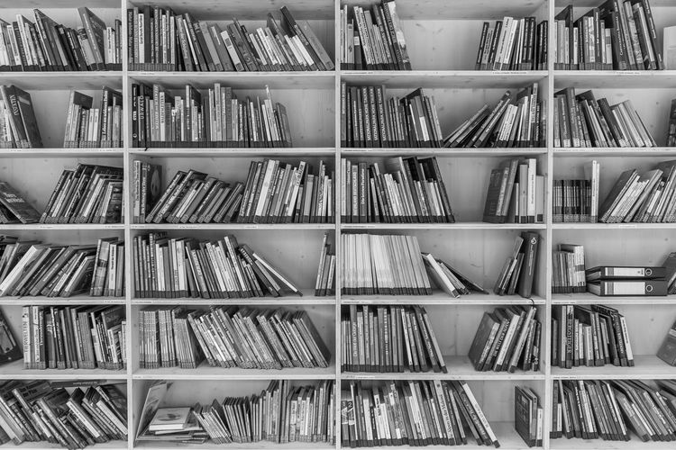 bookshelf Black And White Books Bücher  Indoors  Non-urban Scene Photography Shelf Still Life Photography