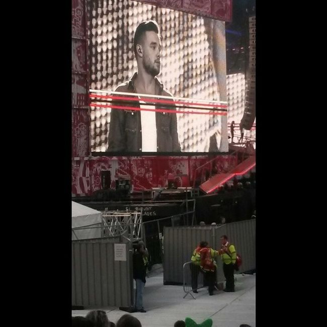 Liam Payne, wow you are beautiful. Onedirection 1D Amazingnight CrokePark whatmakesyoubeautiful midnightmemories kissyou littlethings livewhilewereyoung youand1 instagram instafollow instadaily