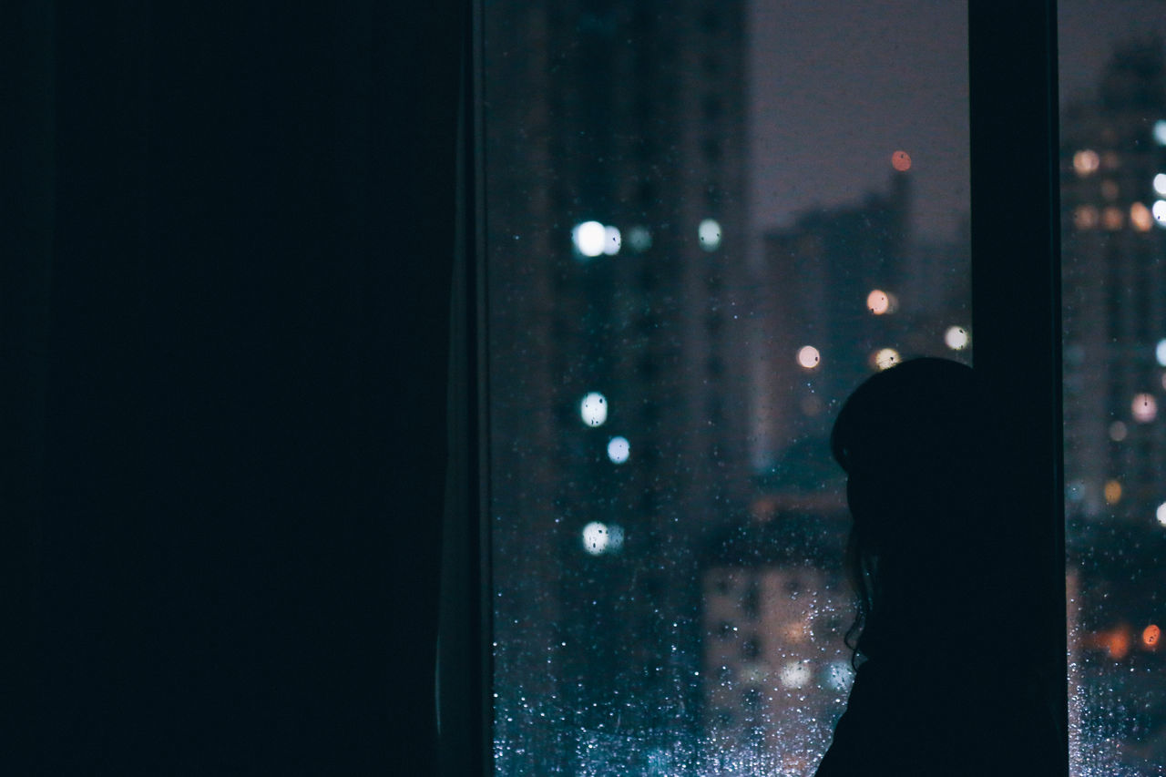 Raindrops Chuva City Lights City Lights At Night Cityscape Low Light Night Night Lights Nightphotography Noise Portrait Portrait Of A Woman Portraits Rain Rain Drops Raindrops Rainy Rainy Days Rainy Night Real People Wet Window Window View Windows