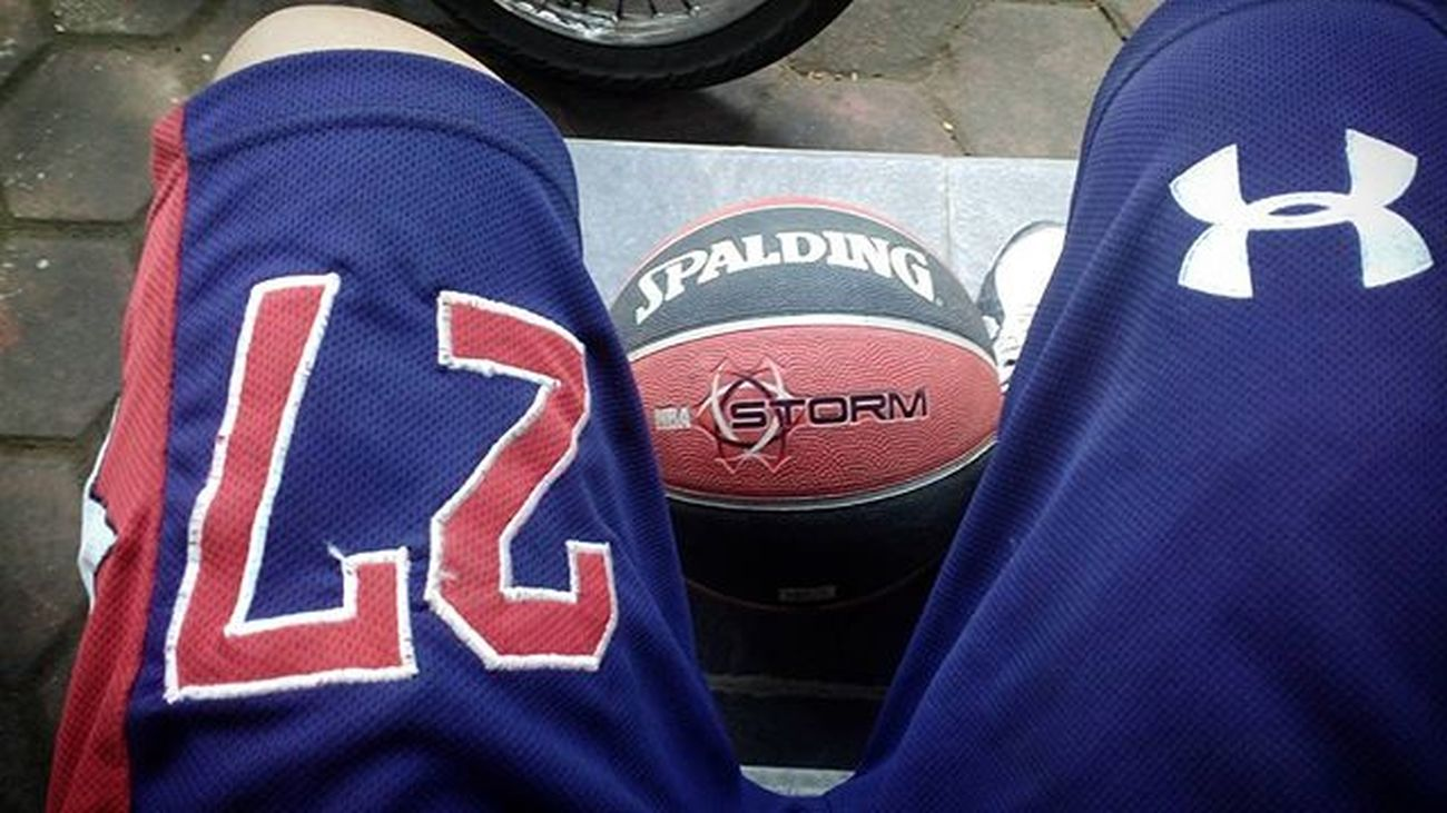 Morning Me Basket Basketball 27 Sport Spalding  Tegalega Bandung INDONESIA Photooftheday Instagram PointGuard NBA UnderArmour