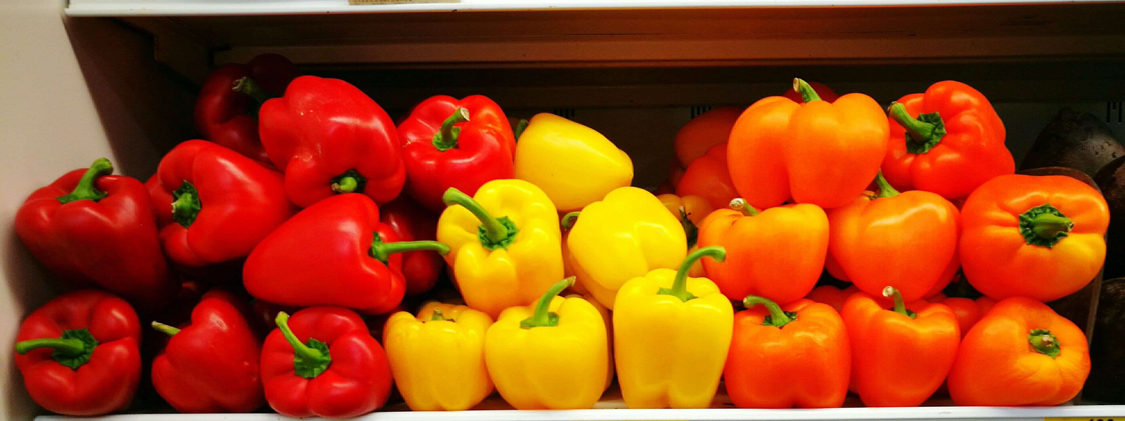 red, freshness, healthy eating, vegetable, food and drink, yellow, bell pepper, red bell pepper, close-up, food, fruit, no people, large group of objects, indoors, day
