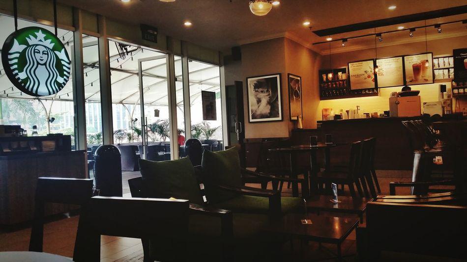 Cold and Hot Jakarta Starbucks