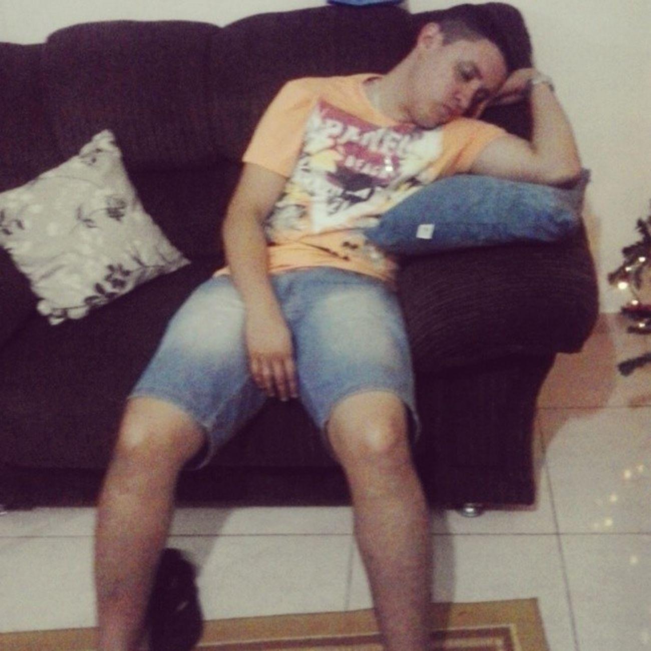 Cunhadinho dormindo kkkkk' Feio Chato Bocoio