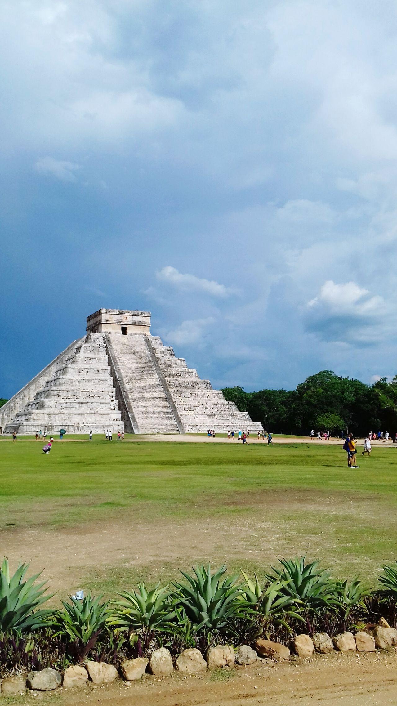 Kukulkan Kukulcan Castle Chichen-Itzá Chichen Itza Mayan Ruins Mayan Culture History Pyramid Travel Destinations Architecture Outdoors Ancient Civilization Old Ruin Sky Ancient Spirituality Architecture Mexico Yucatan Mexico Yucatán, México