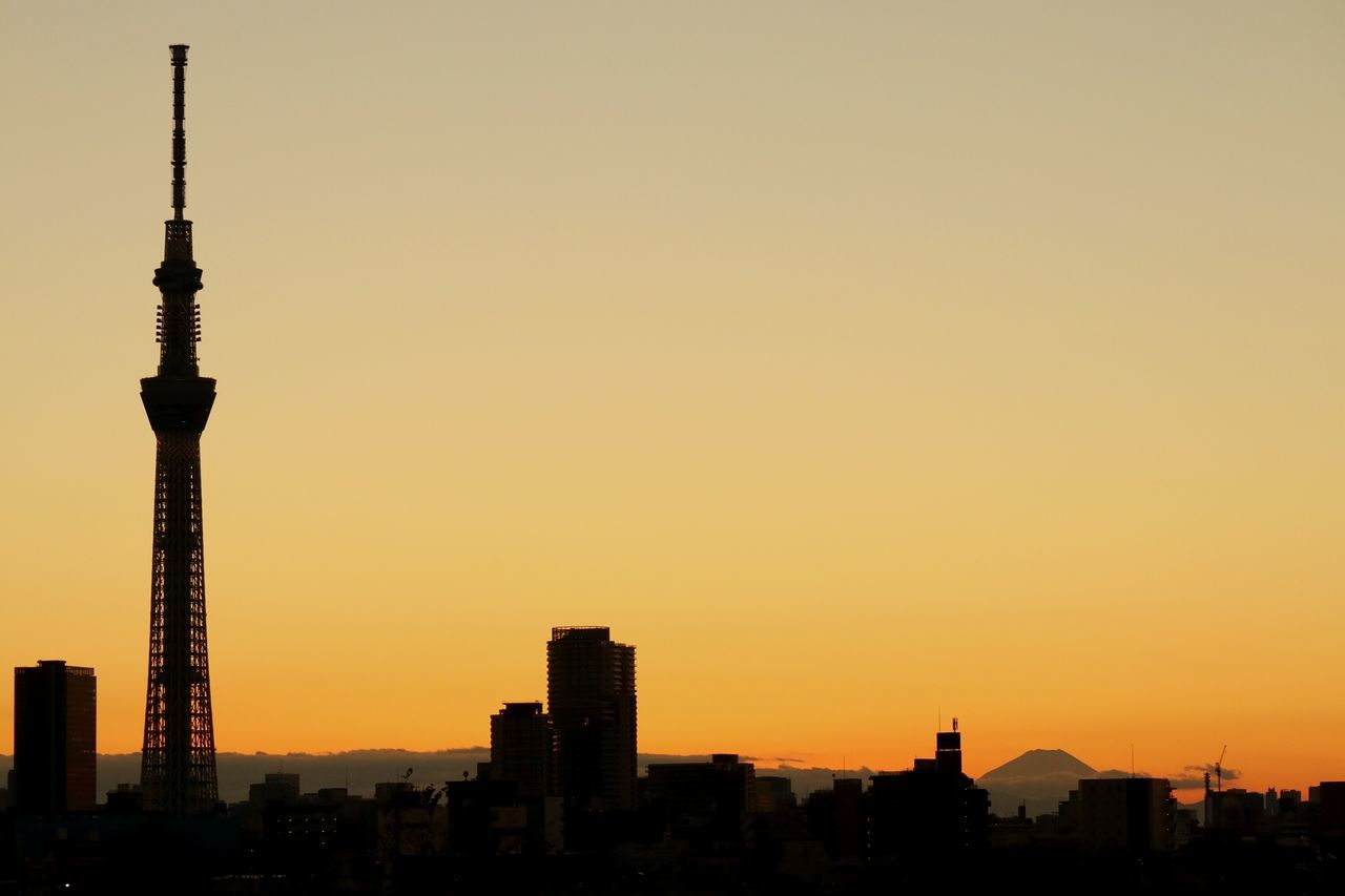 Sunset Tower Cityscape Urban Skyline Silhouette Skytree Tokyoskytree Sunset_collection Sunsets Tokyo Japan Mt.Fuji Mountain Orange Sky