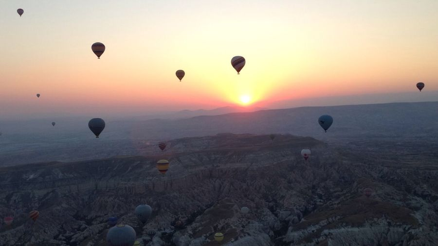 Edge Of The World Turkey Kapadokya Baloons Hotairballoon Sunrise