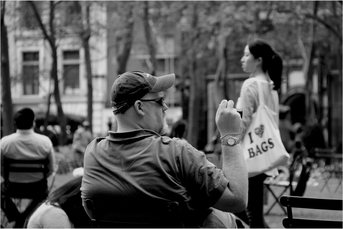 Trapped Streetphotography Newyorkcity Blackandwhite Portrait