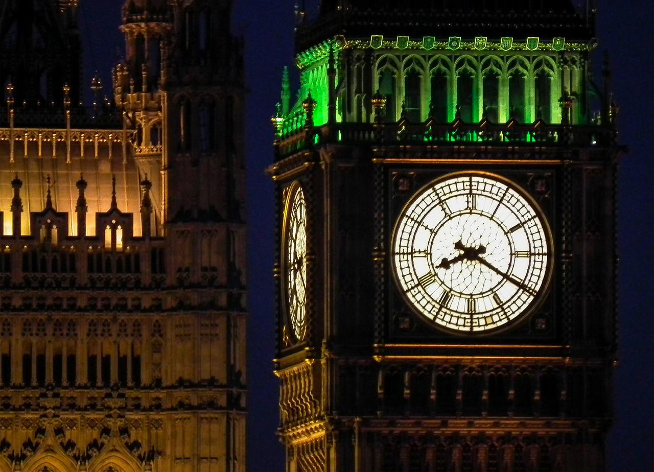 Architecture Big Ben City Clock Clock Face Clock Tower Cultures England Gran Bretagna Great Britain Großbritannien Hour Hand Illuminated Inghilterra London Londra Midnight Minute Hand Night No People Outdoors Time
