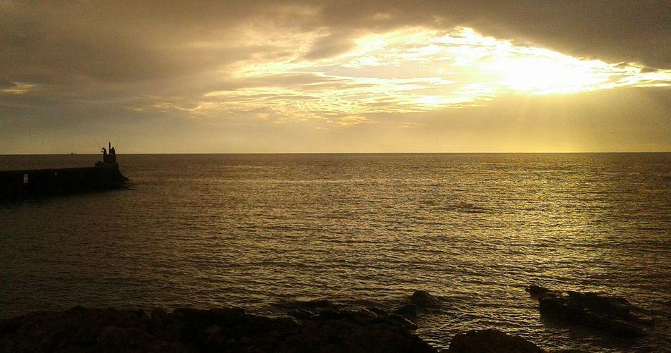 Mar iluminado Sea Water Horizon Over Water Sky Day Refraction Sunset Beauty In Nature