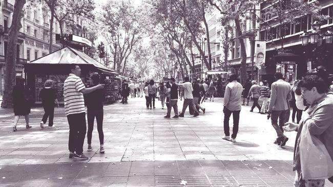 Las Ramblas De Barcelona. Las Ramblas Barcelona Juin 2016 Scène De Vie Instant Présent