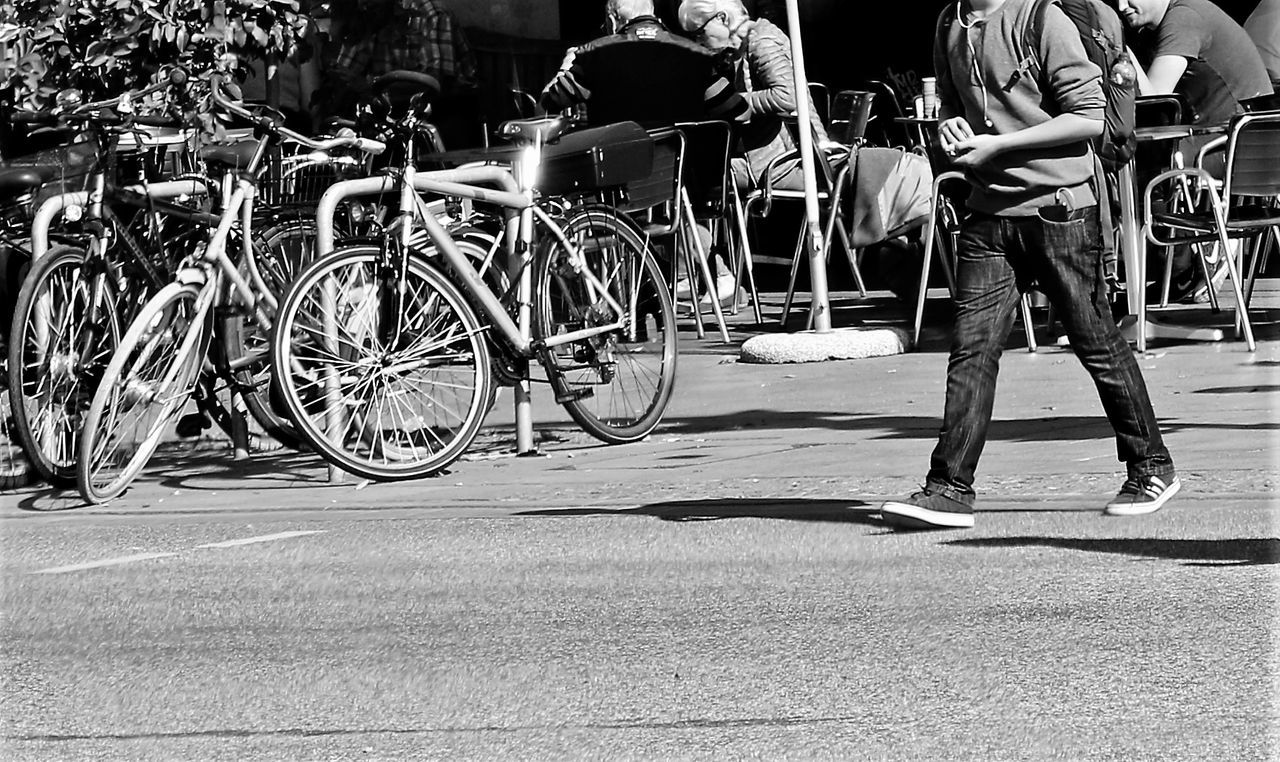 Streetphotography Street Bicycle Outdoors City Day People Light And Shadow Eyeemphotography Black & White Outdoor Photography Blackandwhite Black And White