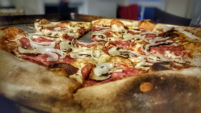 Pizza Cold Fermented Crust Bestpizzaever BestPizzaintheworld Salami Mushrooms Table4five Foodphotography Yum