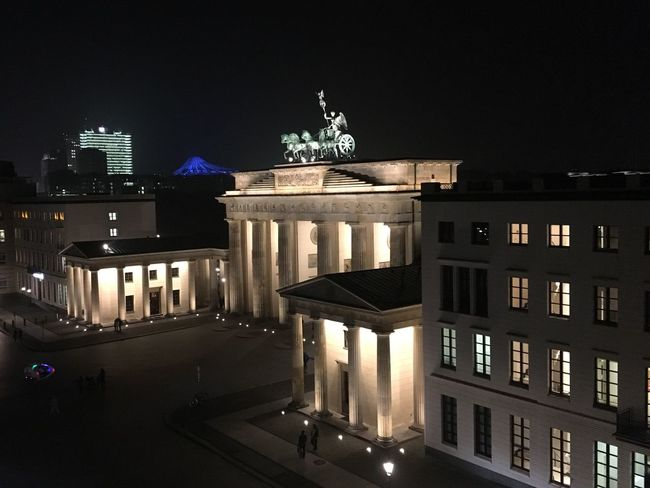 Night Architecture Built Structure Building Exterior Illuminated City Travel Destinations Travel Statue City Gate Architectural Column Outdoors No People Sky