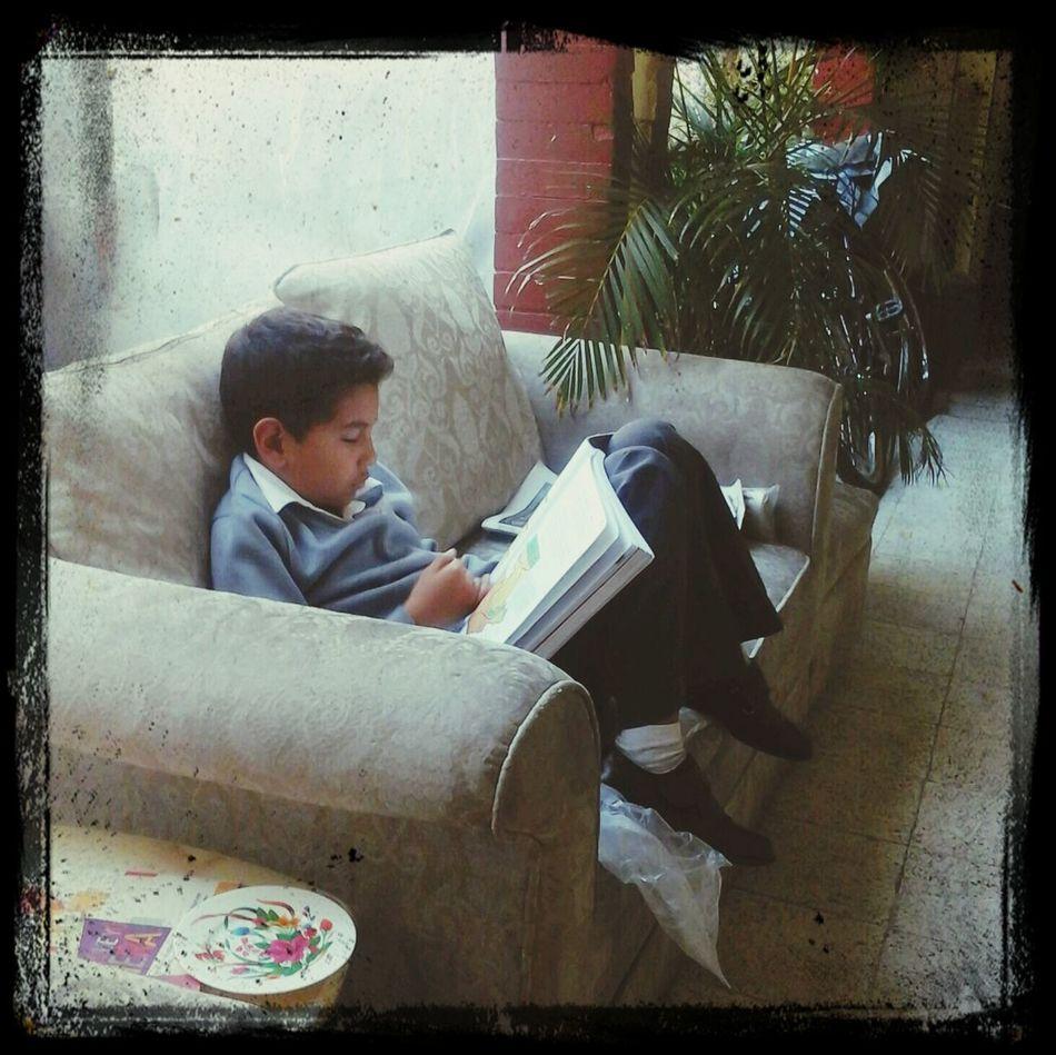 estudiando. ...