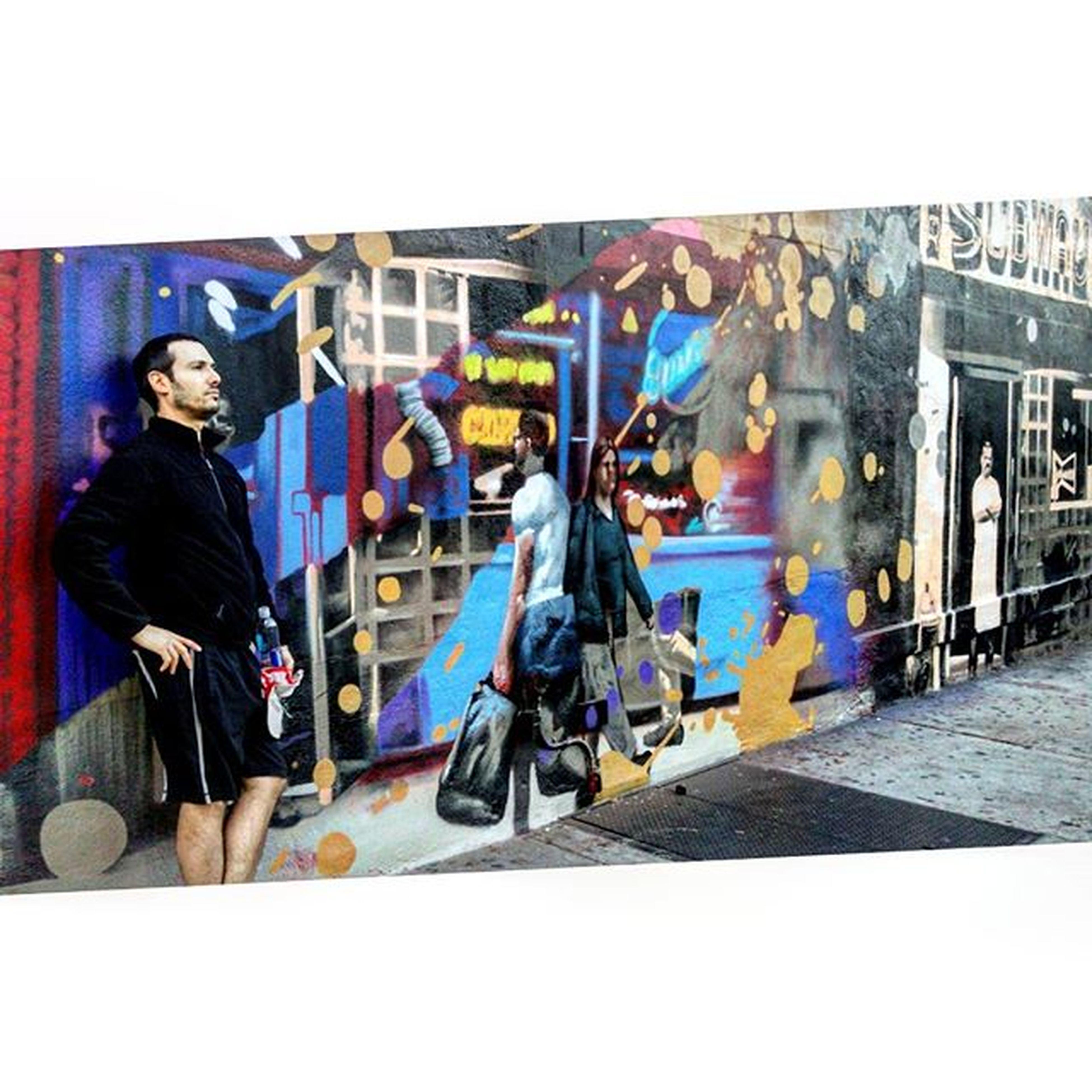 NYC Manhattan Streetart Mural Sidewalk Manblendsintomural UES Uppereastside