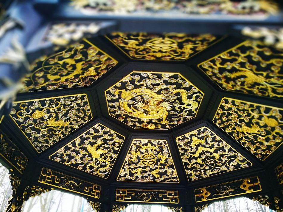 Pattern Backgrounds No People Close-up Shiny Day Brussels Photo Of The Day Brussels❤️ Peace ✌ Outdoors Building Exterior Tradition