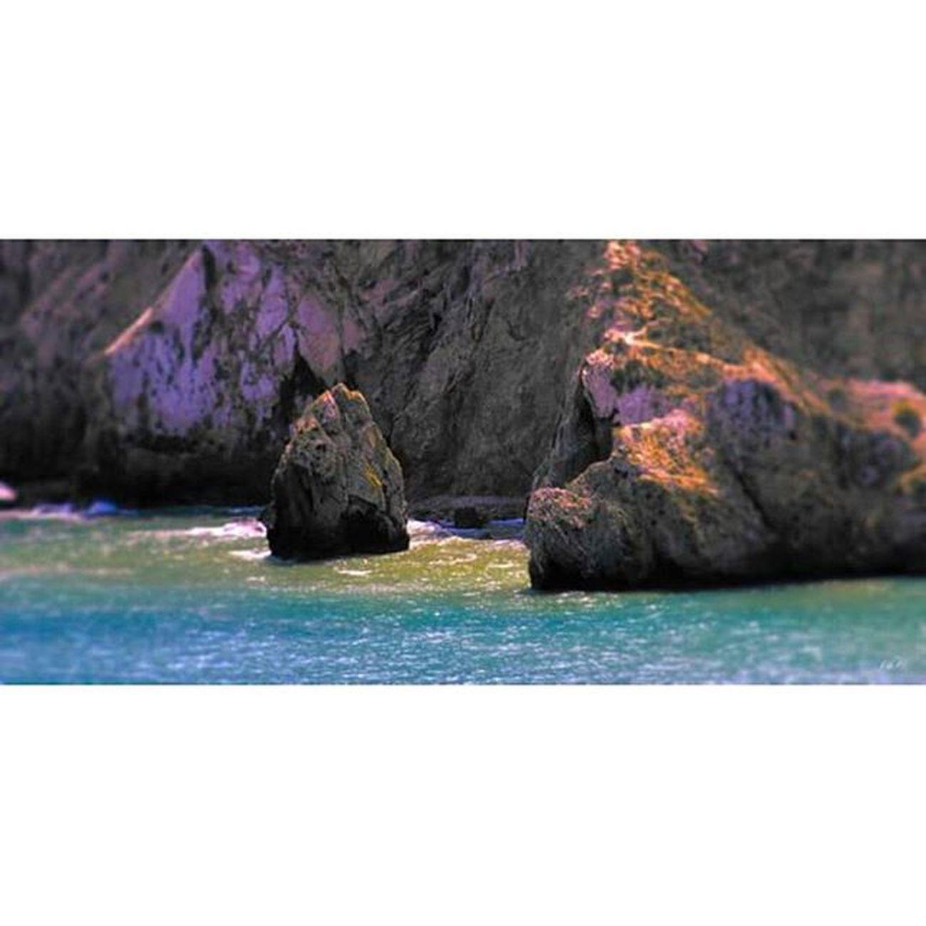 Alhoceima Alhuceima Quemado Rif Mountains Cliff Rocks Falaise Mer Sea Mediterraneansea Mermediterranee Travel Roadtrip Trip Voyage Adventure Aventure Paranoid
