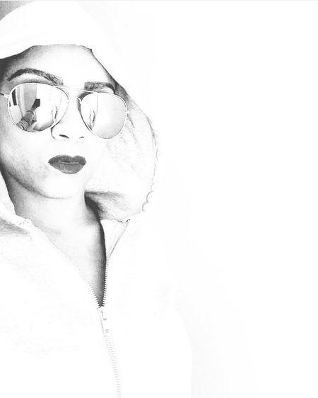 The selfie xxxxxxx Selfie ✌ Thug Life Street Photography Shades Reflection Phones Hoodie Black & White Digital Art X