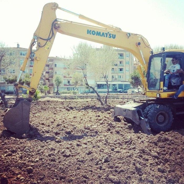 Büyükşehir çalışıyo aga :) SamsunBüyükşehirBelediye Atakumsahil RekreasyonÇalışması şantiye