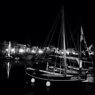 blackandwhite at Le Port Sanary by Giki