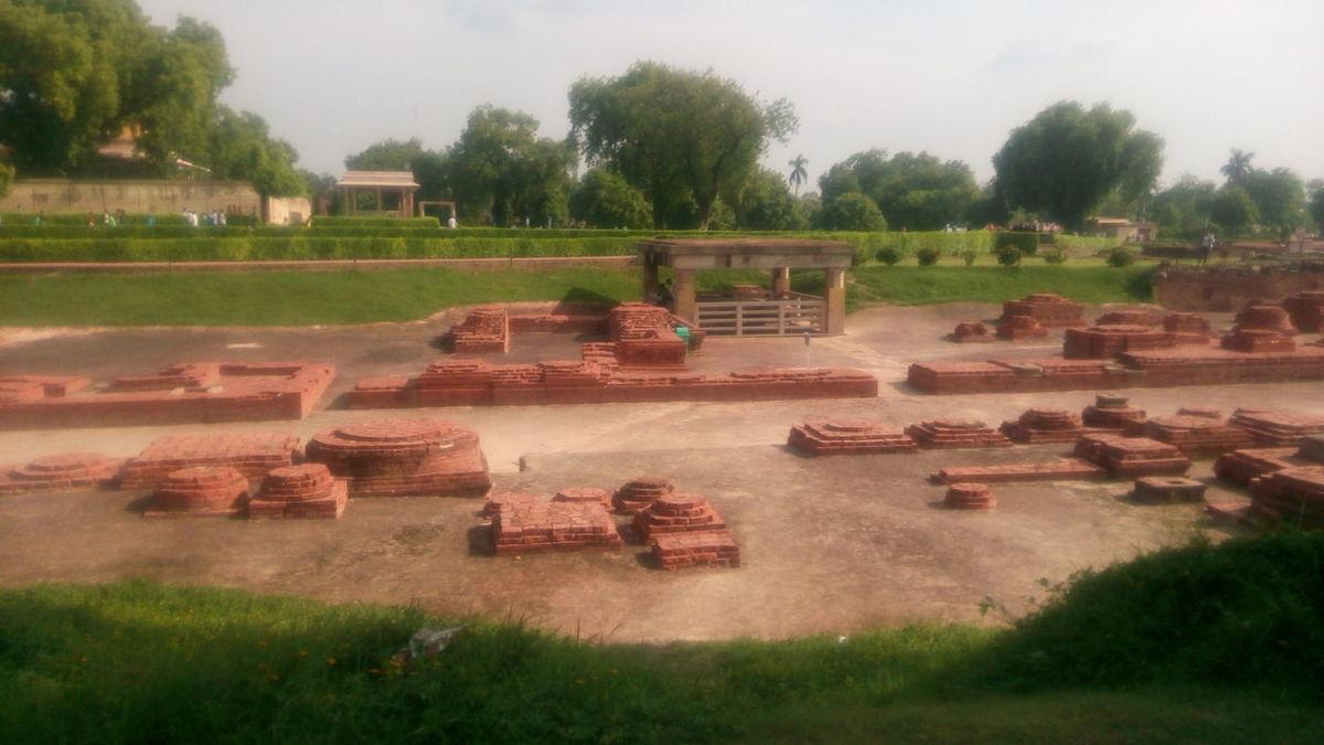 Hello World Check This Out Taking Photos Hi! Varanasi Sarnath Holycity AncientCity Monuments Walker_Abhi