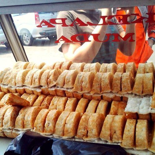 kue pancong khas Jakarta yummy