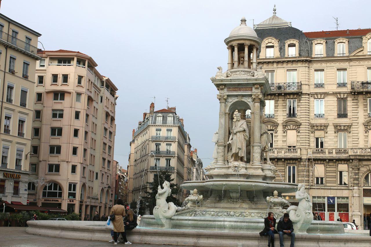 France Photos Landscape_photography Lyon😍 France Jacobins Fountains Onlylyon Place Des Jacobins France 🇫🇷 Being A Tourist Lyon France Lyon69 LyonCity Lyon Lyononly