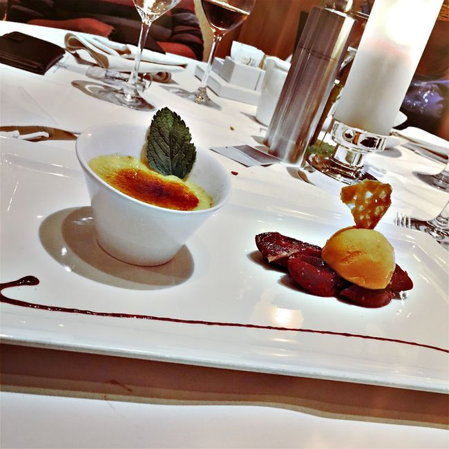 Dessert Food Food And Drink French Food Freshness Fruit Garnish Indoors  Indulgence Juicy Plate Ready-to-eat Serving Size Still Life Sweet Food Temptation Tray Unhealthy Eating