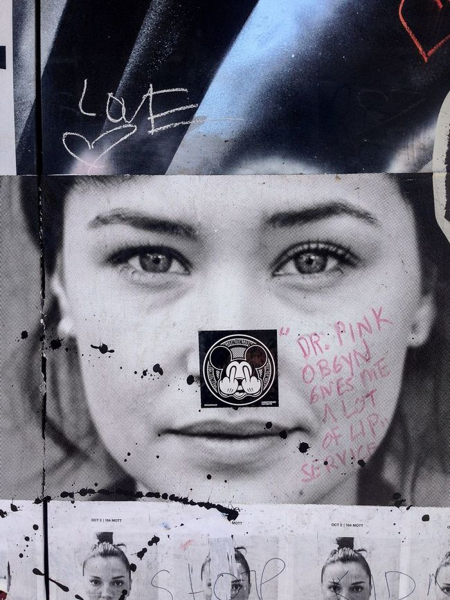 Love Dr. Pink, Hate the Rat! | street Fall 2014 Streetphotography Street Art Timyoungiphoneography