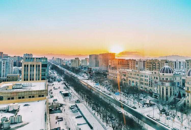 Lieblingsteil City Cityscape Travel Architecture Sunrise Sunlight Travel Destinations Urban Skyline Skyscraper High Angle View Building Exterior Business Finance And Industry Built Structure City Life Outdoors Transportation Apartment EyeEm Best Shots Winter Snow Winterwonderland 2017 China EyeEm New Here