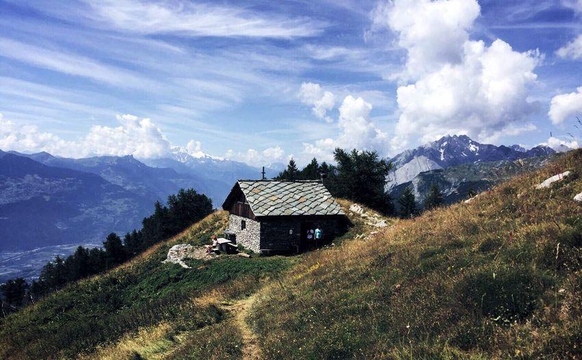 Prabé Mountain Grass Mountain Range Tranquility Relaxing Hello World Cloud - Sky Nature Tones Shadows