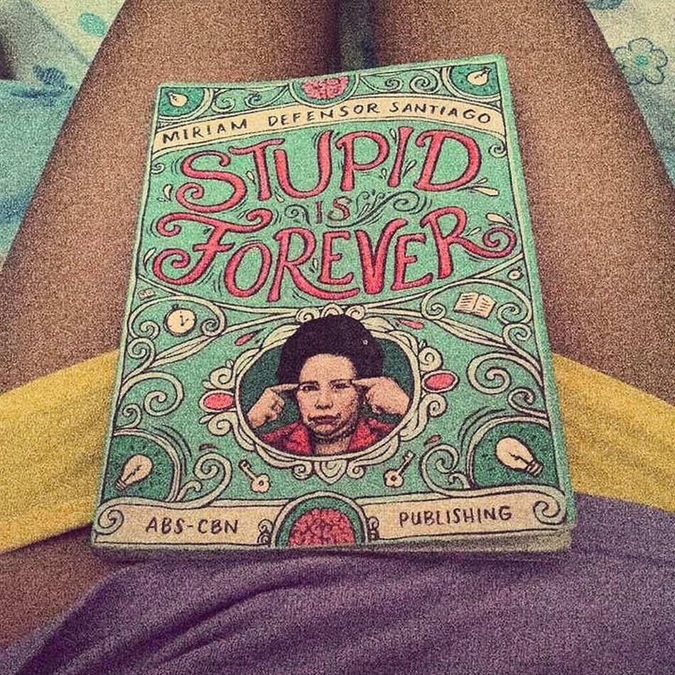 Trying out the grain effect ;) Legs Thighgap Body Books Stupidisforever Miriamdefensorsantiago Vscopinas Eyeem Philippines Sexygirl Girlpower